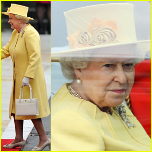 Queen-royal-wedding