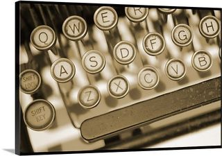 Antique-manual-typewriter-keyboard-71077389